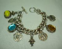 £35.00 - 1950s Unique and Fabulous Chunky Glass and Goldtone Charm Bracelet